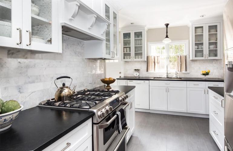 Handy and Awkward Kitchen